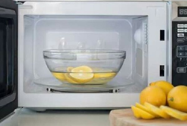 5 Steps To Clean A Microwave Naturally